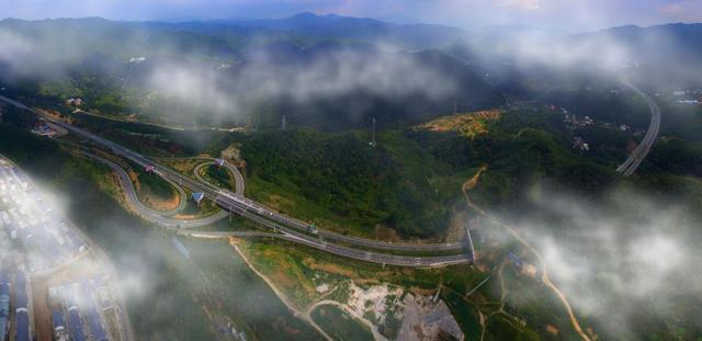 2017年全省交通重点项目投资目标完成