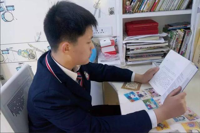 新男神!济源81岁老人坚持到图书馆阅读21年