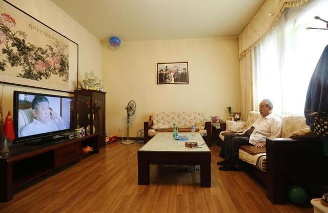 河南最牛村庄:看病不要钱 家家分别墅