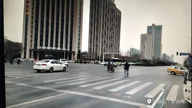 新乡灯号灯改革:这个路口非灵活车可与灵活车同时左转!