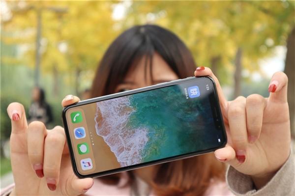 良心发现?曝苹果2018年将下调iPhone售价:要疯