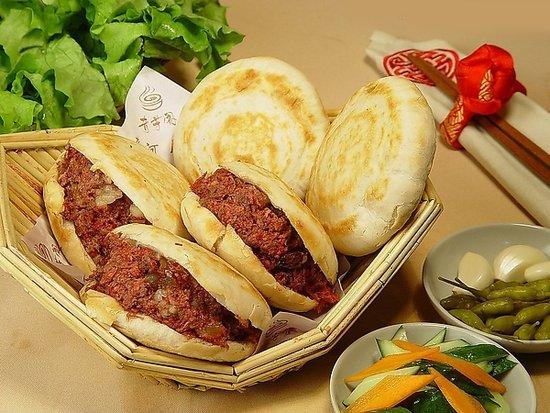 天冷暖身 盘点郑州最好吃的驴肉火烧