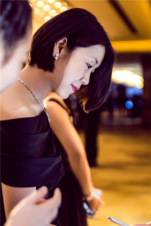 红酒 优雅 女人(3)