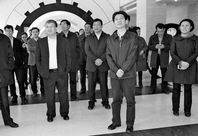团中央领导视察腾讯·大豫网 传递青春正能量