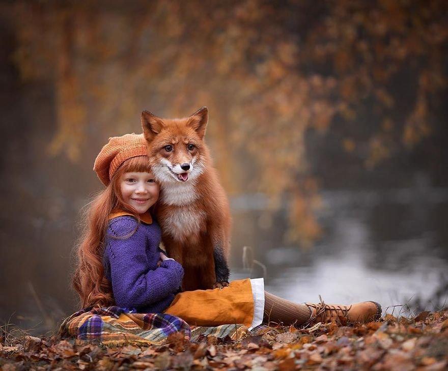 儿童与动物唯美合影:感受人与动物间的灵性