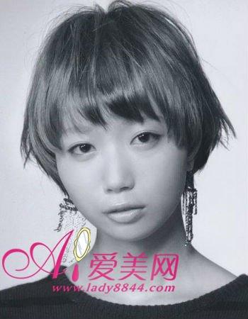 v发型:抢占帅气最新发型女生烫发短发型头发天天图片