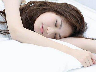 女人睡觉时要脱下的三样东西
