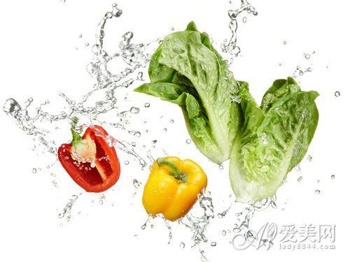 绿叶菜久煮竟会中毒 吃蔬菜的10大误区