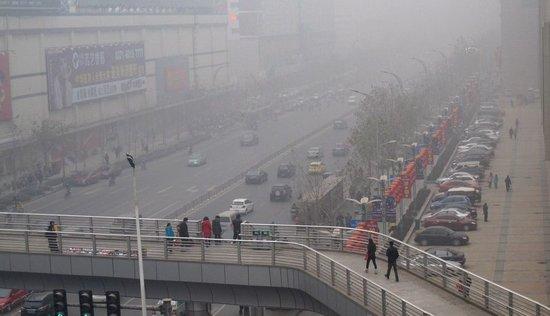 郑州发布空气污染应急方案 空气差车辆将限行