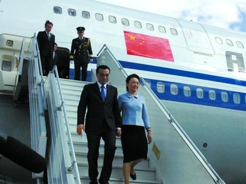 李克强携夫人出访非洲 总理夫人是河南郑州人
