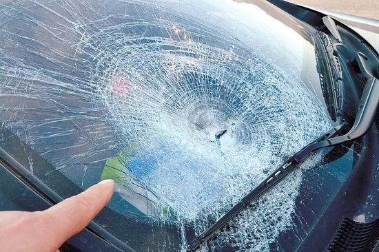 兰考男人郑州工地上班3天 过马路找茅厕被撞亡