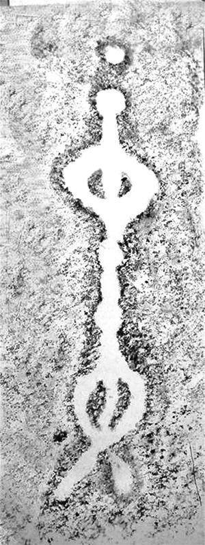 古代人形岩画现身南阳 似女子呈 ...