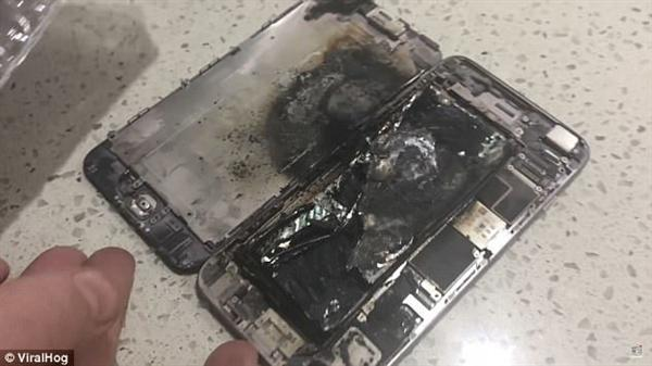 iPhone送修时在手中爆炸:屏幕直接飞了