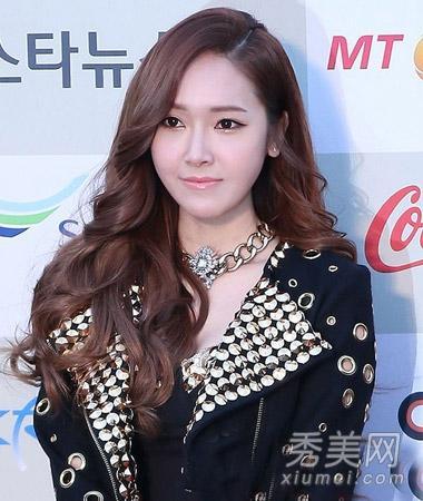 2014韩式烫发时尚发最头型可爱出去玩的长卷图片