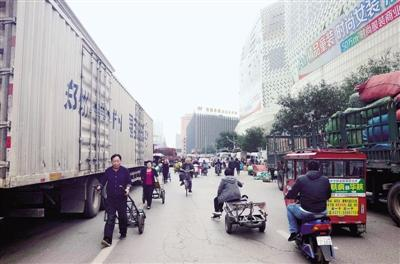郑州银基路口堵成粥 最近两三个月最好绕行