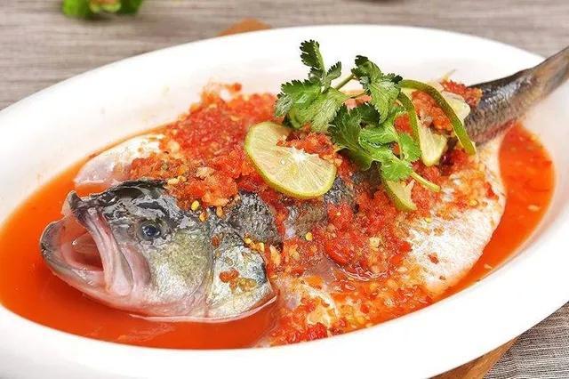 泰式柠檬蒸鲈鱼的做法 护肝保胃