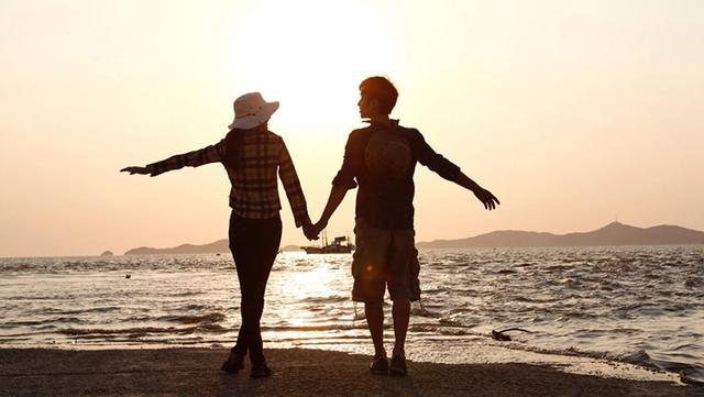 【枕边】初次见男友一见钟情 他却和异性暧昧不清