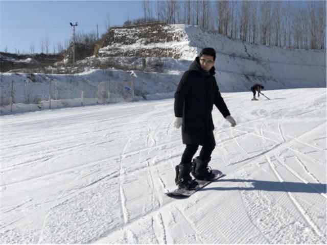 今冬滑雪就去离家最近的郑州龙泉滑雪场