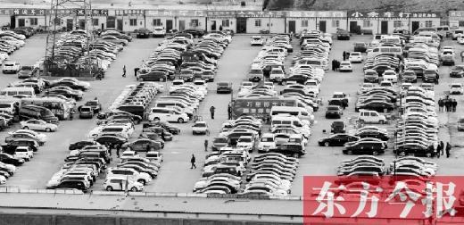 揭秘郑州二手车市场潜规矩 调少1万公里赚万元