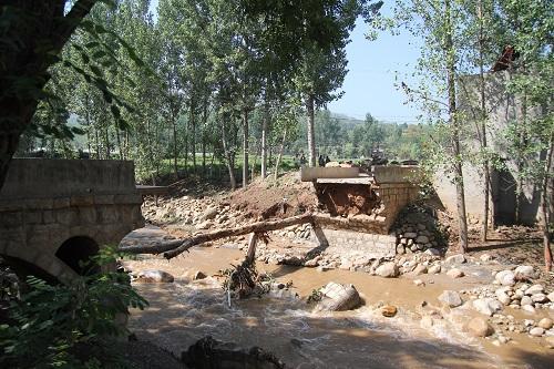 洛阳嵩县、宜阳暴雨引发山洪 致共计9人遇难2人失联