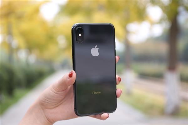 iPhone X美国销量遇冷:运营商狠促销 买一送一