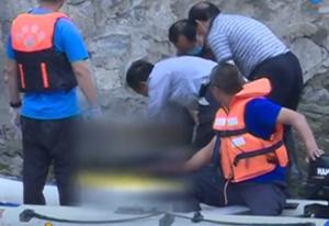 濮阳马颊河中现女尸 救援队打捞