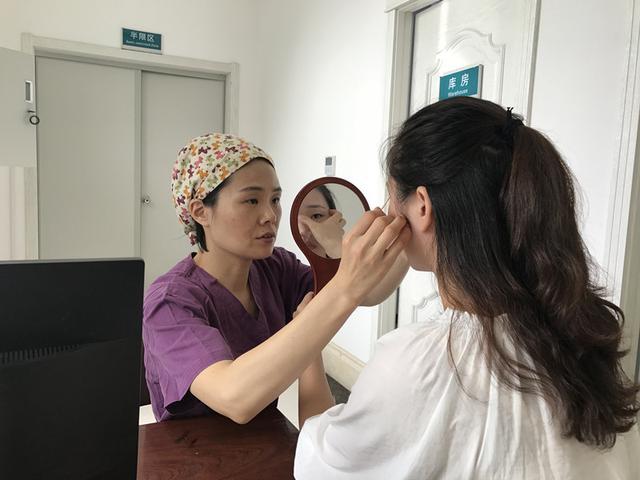 """眼整形专家赵丽:简单vs复杂,""""双眼皮""""背后的故事"""