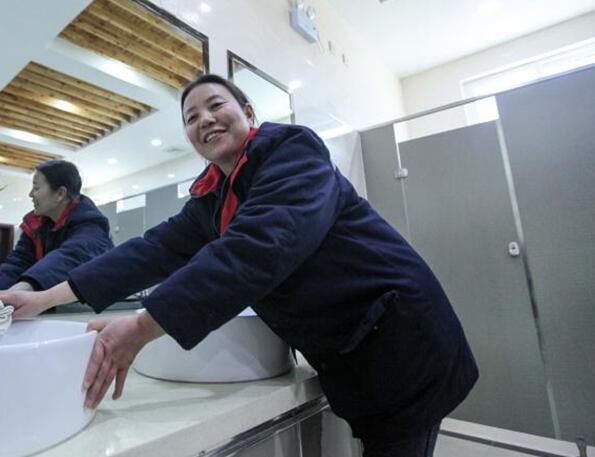 """3座AAA级旅游公厕近期陆续开放 济源公厕首现""""第三卫生间"""""""