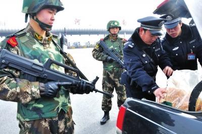 河南省公安厅启动一级防控模式 80%警力投放街面