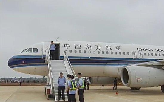 南航a320客机顺利完成衡阳南岳机场试飞任务图片