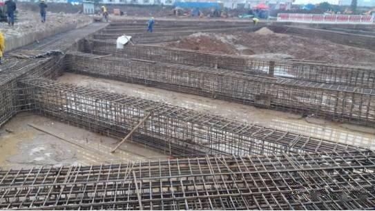 围观:衡阳首条过江隧道施工现场五建筑教学楼图纸层图片