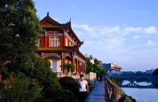 中国人口最多的镇_西渡镇人口