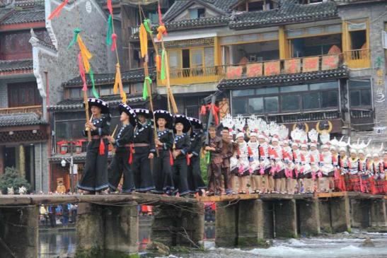 第六届中国·凤凰苗族银饰服饰文化节即将开幕