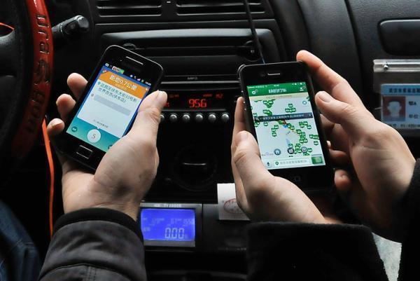 专车司机平均月收入超万元 外企总监兼职开专车