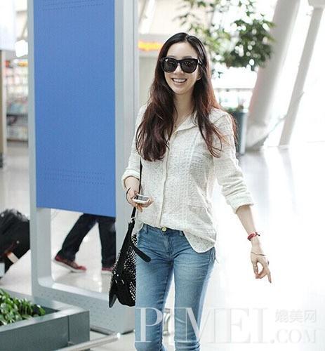 白欧美韩式衬衫的杀手锏尿女人尿美女图片