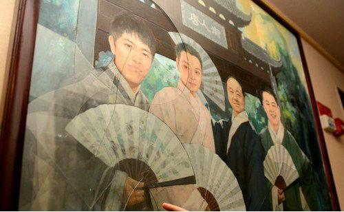 《新四大美男图》被砸一度登上世界权威华文