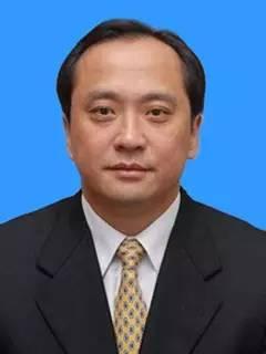 湖南省人大常委会任命许显辉为省监察厅厅长