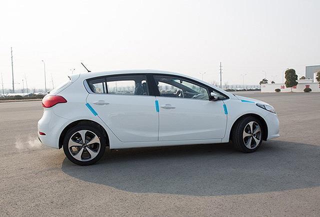 东风悦达起亚K3 S运动版实车-将上市合资两厢车预览 主打年轻消费群高清图片