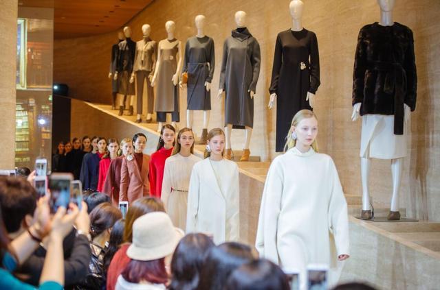 """奢侈品牌giada引领""""雕塑艺术的视觉革命"""" 惊艳长沙"""
