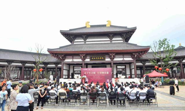 观黑石号特技秀 国庆假期来铜官窑古镇玩出不一样
