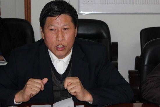 湖南湘潭一民营企业家从市政府15楼跳楼自杀