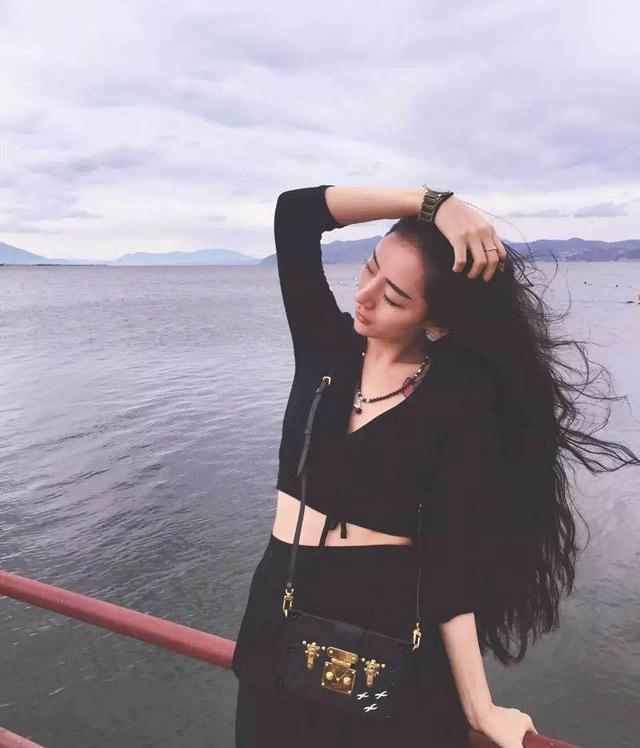 19岁私人和她的影院美女情趣内衣hushi图片