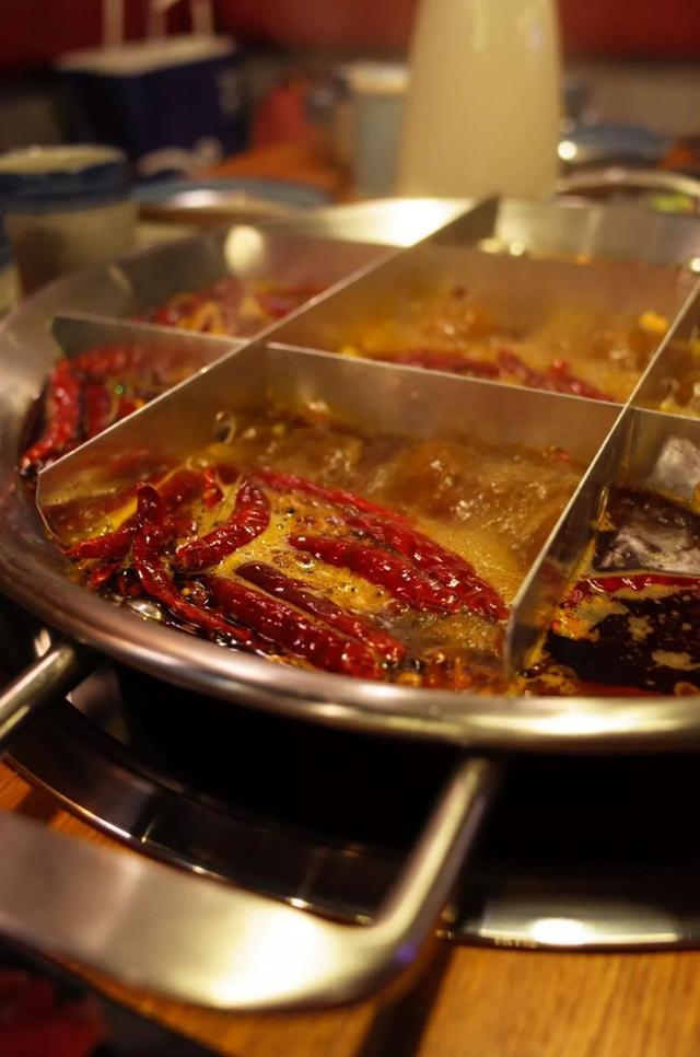 城市精选 | 这家创意川味火锅 到底是重口味还是性冷淡?