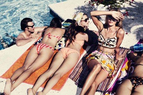 绯闻女孩的私人泳池派对