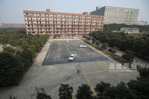 长沙一院校规定驾照为必修课 需在指定驾校学车