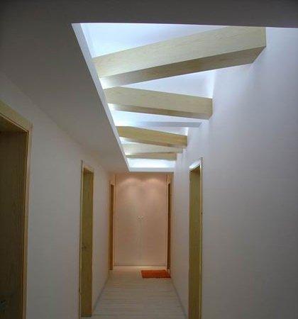 过道吊顶效果图:走廊吊顶装修效果图,几何造型很有创意-过道吊顶