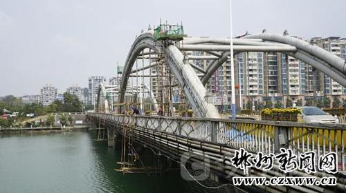 郴州资兴鲤鱼江大桥20多年了 还安全吗?