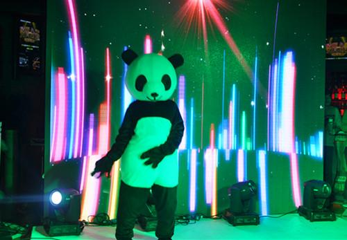 2014款吉利GX7及熊猫CROSS同步上市