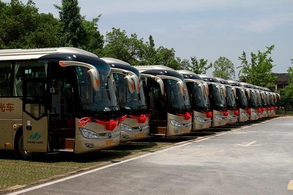 4月28日邵阳崀山景区旅游观光车正式开通营运