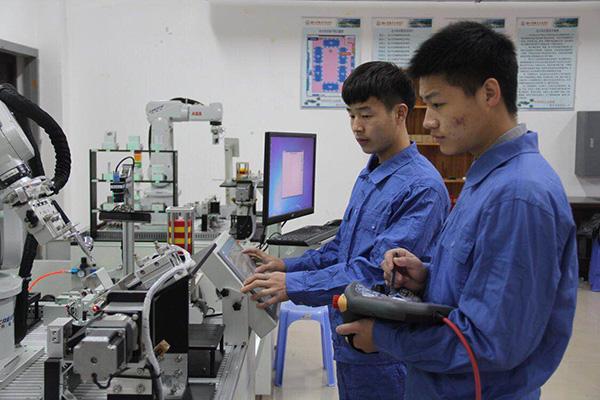 人工智能行业人才紧缺 湖南工业职院积极储备力量